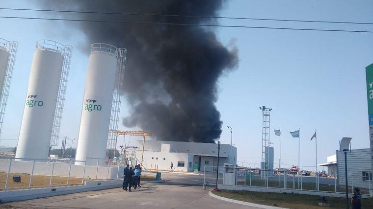 AUDIO: Extinguieron el incendio en la planta de YPF agro