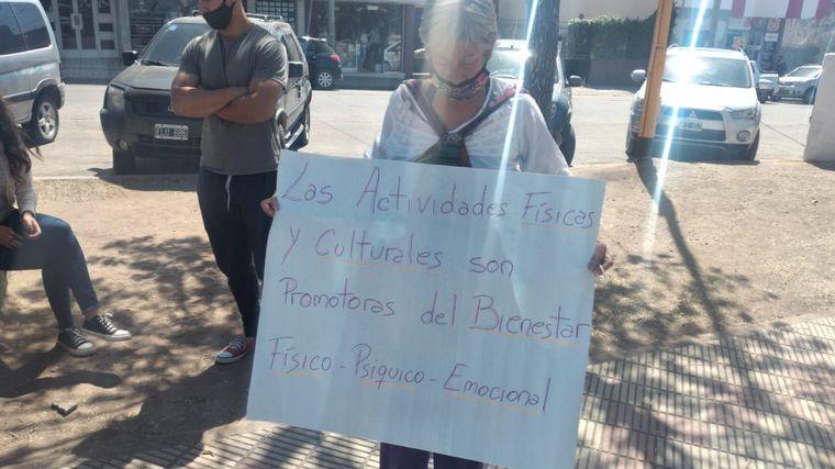 FOTO: Protesta en Cosquín por las restricciones
