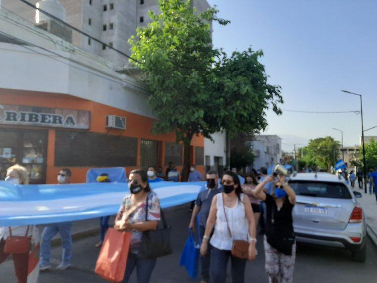 FOTO: Banderazo del 12O en Mendoza