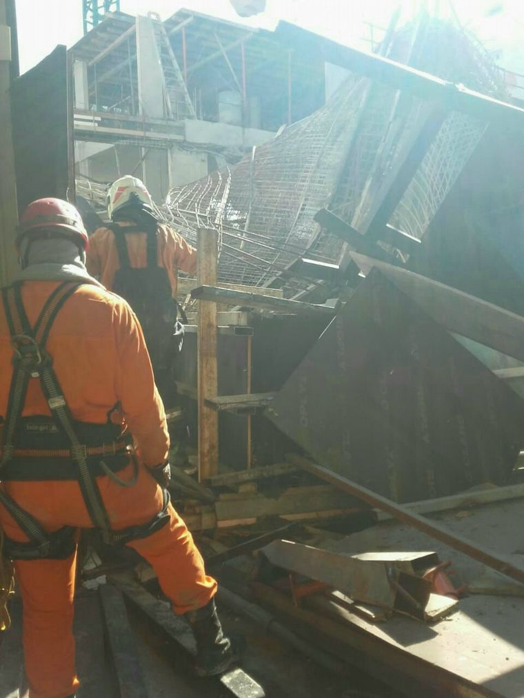 FOTO: Se derrumbó un edificio en construcción en Belgrano.
