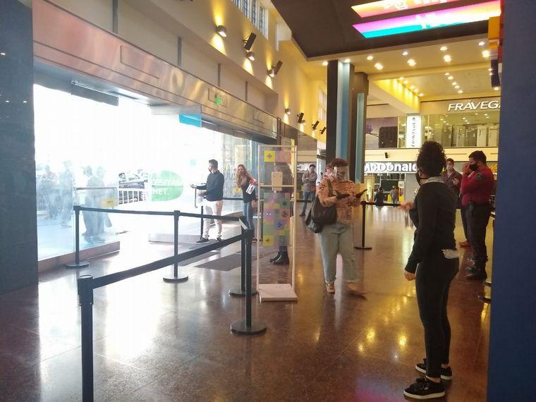 FOTO: Los shoppings porteños reabrieron sus puertas este miércoles.