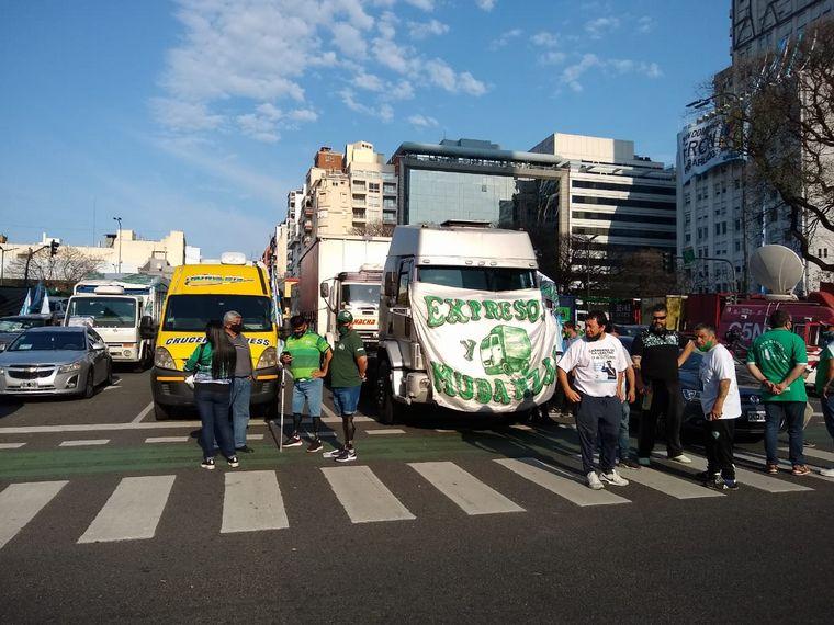 FOTO: Camioneros realizó una caravana por el Día de la Lealtad Peronista.