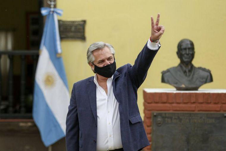 FOTO: Alberto anunció que Argentina recibiría 25 millones de dosis de la vacuna rusa.