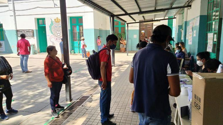 AUDIO: Bolivianos que viven en Córdoba eligieron presidente este domingo.