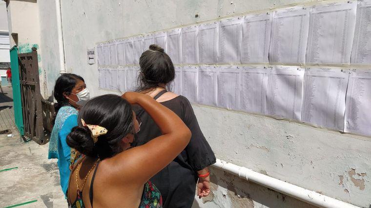FOTO: Bolivianos que viven en Córdoba eligieron presidente este domingo.