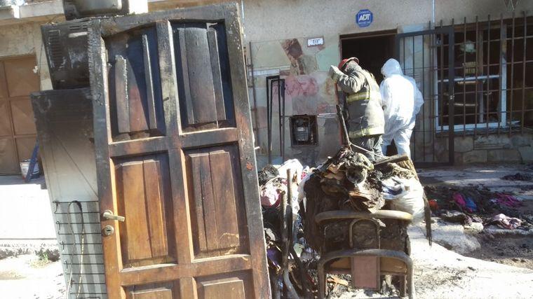 AUDIO: Trágico incendio en Guaymallén: murieron una abuela y dos nietas.