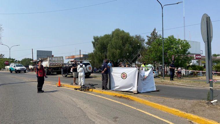 AUDIO: Un camión atropelló y mató a un ciclista en Villa Allende
