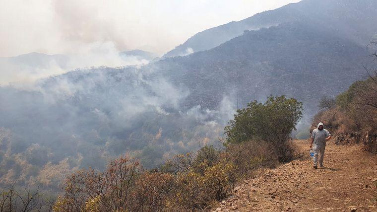 FOTO: Incendio en la Aerosilla Los Cocos