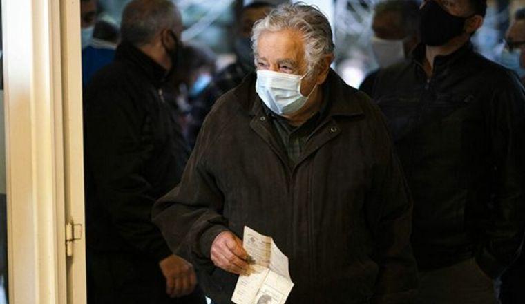 """FOTO: José Mujica se someterá a una intervención """"menor""""."""