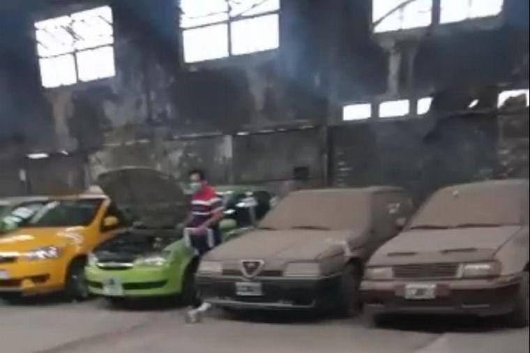 AUDIO: Remisero denunció el robo de la batería del auto en un corralón municipal