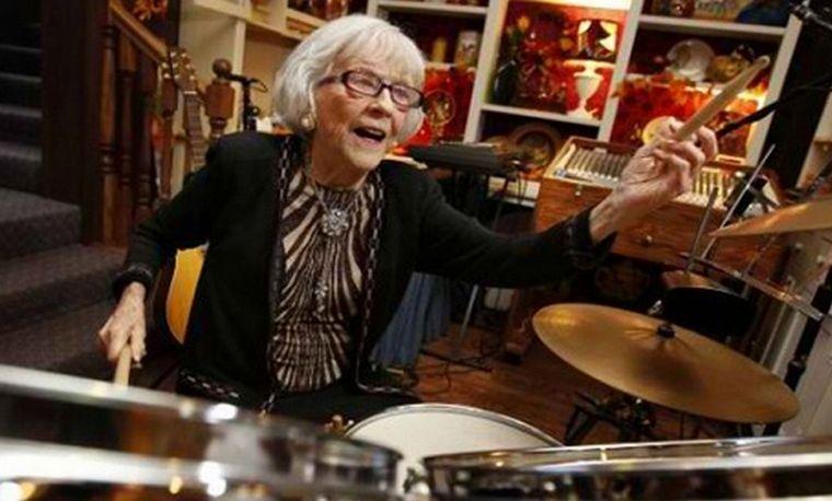 FOTO: Viola Smith tuvo una larga trayectoria en el jazz y la música popular norteamericana.