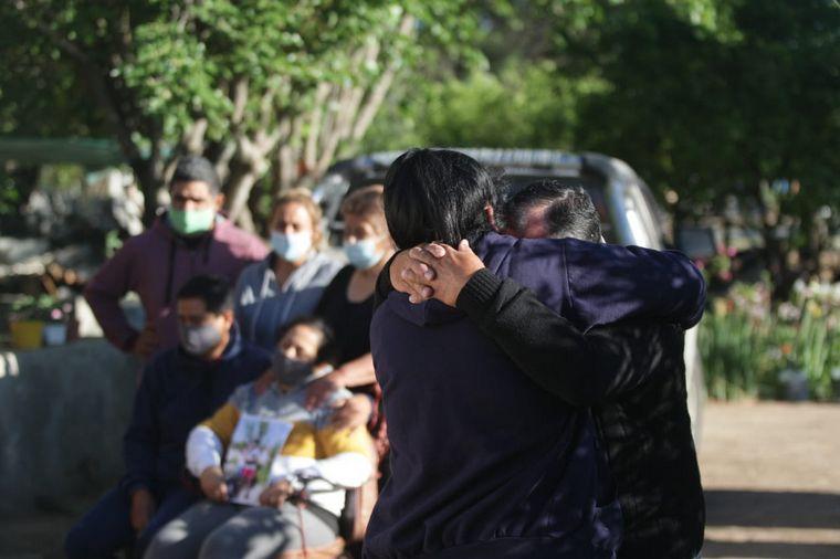 FOTO: Conmoción en Paso Viejo por el crimen de Joaquín Paredes.