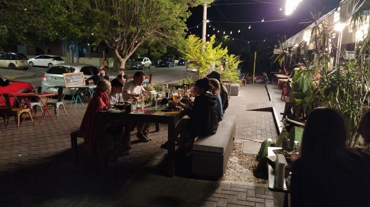 AUDIO: Córdoba: expectativa en bares por la reapertura tras dos semanas de restricciones