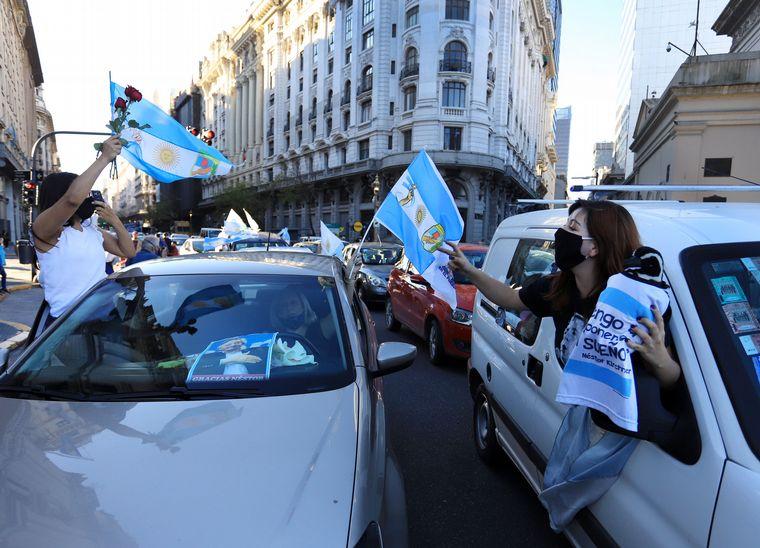 FOTO: Simpatizantes del kirchnerismo recordaron a Néstor Kirchner a 10 años de su muerte.