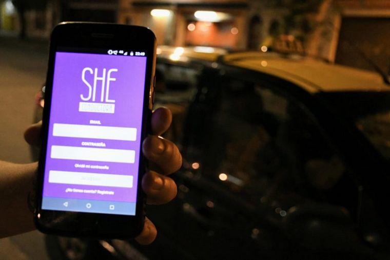 AUDIO: Inauguró la primera parada de mujeres taxistas y remiseras de Córdoba