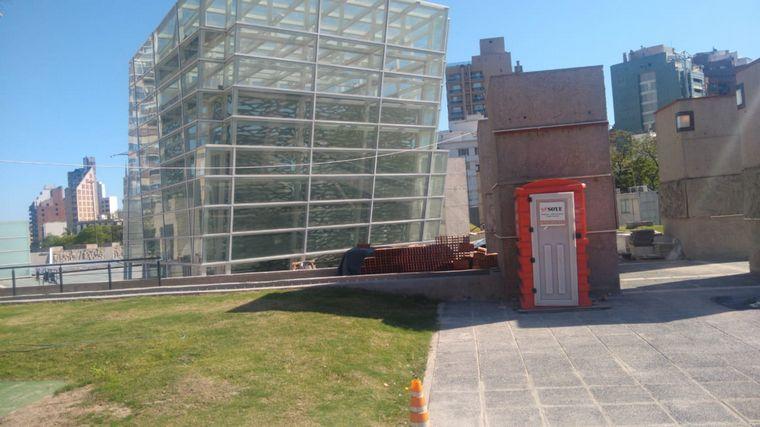 AUDIO: Denuncian que está paralizada la obra de la Plaza España