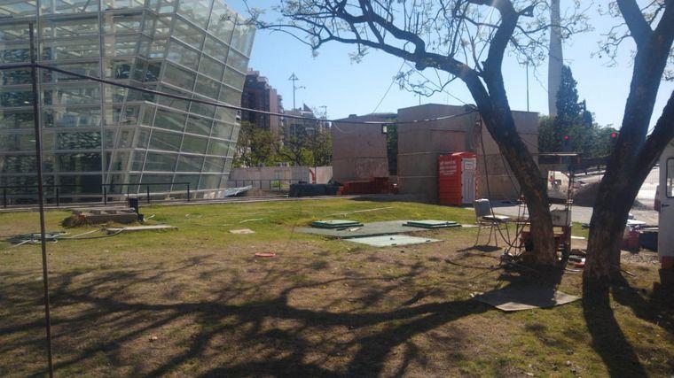 FOTO: Denuncian que la obra de la Plaza España está paralizada