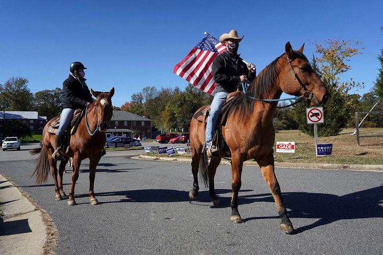 FOTO: Una multitud se congregó frente a la Casa Blanca (Fuente: AFP).