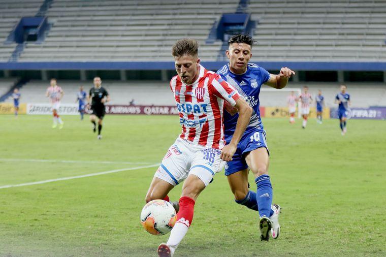 FOTO: Unión supera a Emelec y pasa a octavos de final de la Copa Sudamericana.