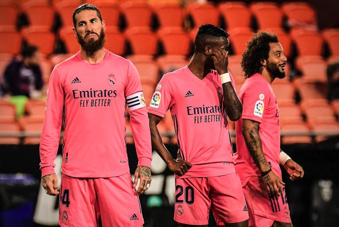 FOTO: Sergio Ramos y Benzemá celebran el primer gol de Real Madrid