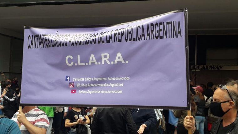 AUDIO: Artistas marcharon por reapertura de teatros en Buenos Aires