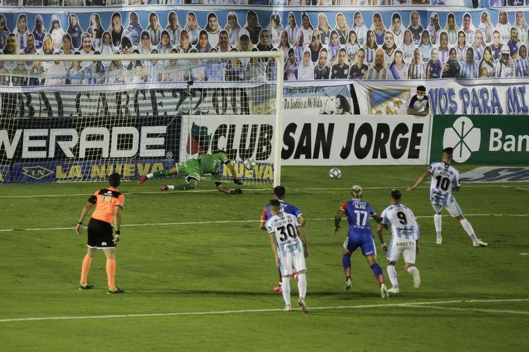 Atlético Tucumán venció a Unión y sigue como líder del grupo - Fútbol - Cadena 3 Argentina