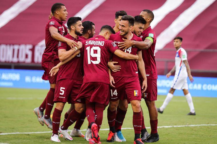 Venezuela logró su primera victoria: le ganó 2-1 a Chile - Fútbol - Cadena 3 Argentina