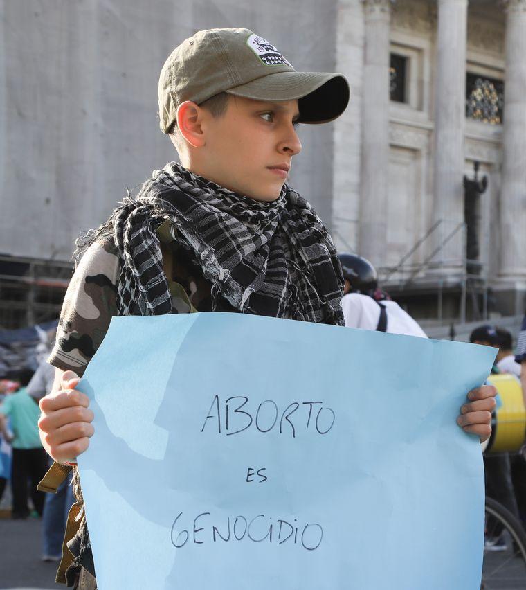 FOTO: Manifestaciones por la discusión sobre el aborto en el Congreso.