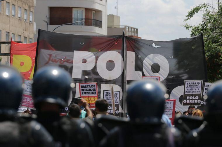 FOTO: Manifestación del Polo Obrero, jubilados y organizaciones sociales en Buenos Aires