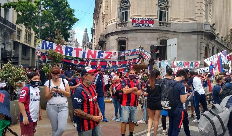 FOTO: Hinchas de San Lorenzo en el centro porteño.