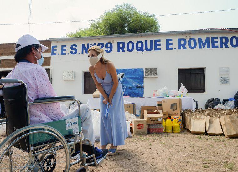 FOTO: Fabiola Yañez causó polémica por el atuendo que uso en su visita a Chaco