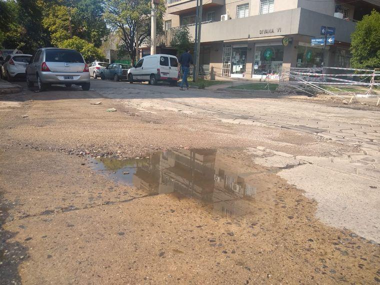 FOTO: Cloacas rotas en barrio General Paz