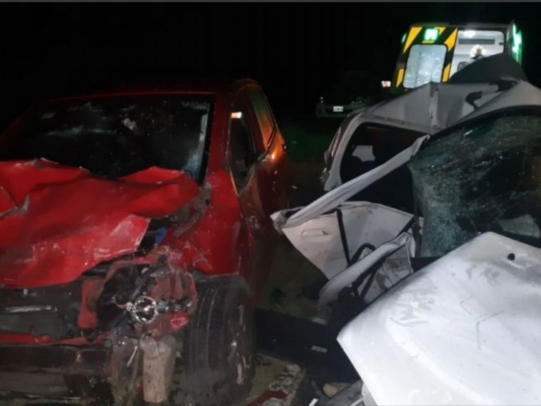 FOTO: Dos jóvenes murieron en choque camino a la Costa bonaerense