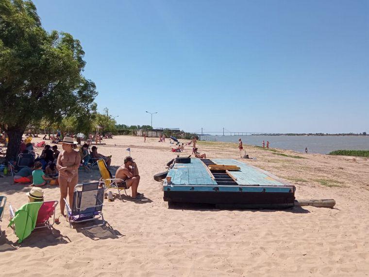 FOTO: Abrieron los clubes de playa de Rosario.