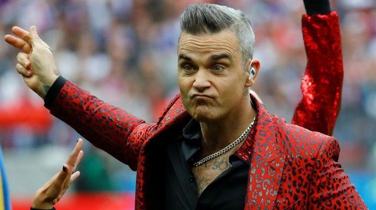 FOTO: Robbie Williams presentó su nueva canción navideña.