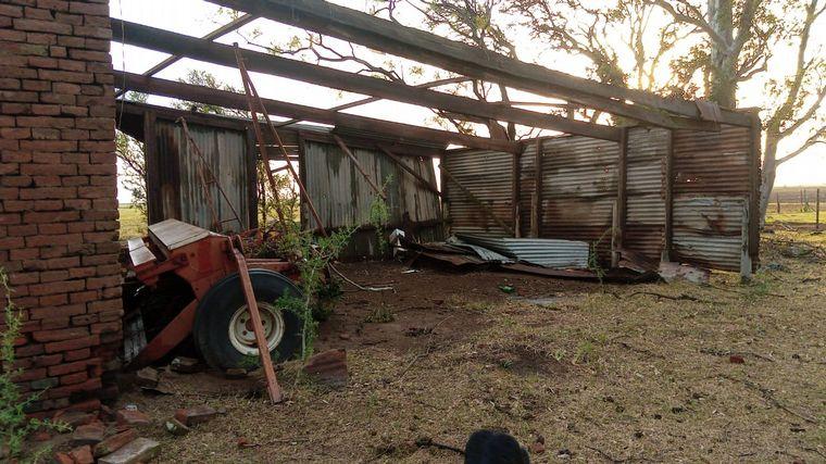 AUDIO: Una cola de tornado causó destrozos en Colonia San Bartolomé.