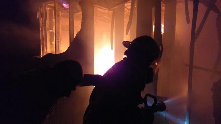 FOTO: Se incendió la casa del actor Diego Reinhold