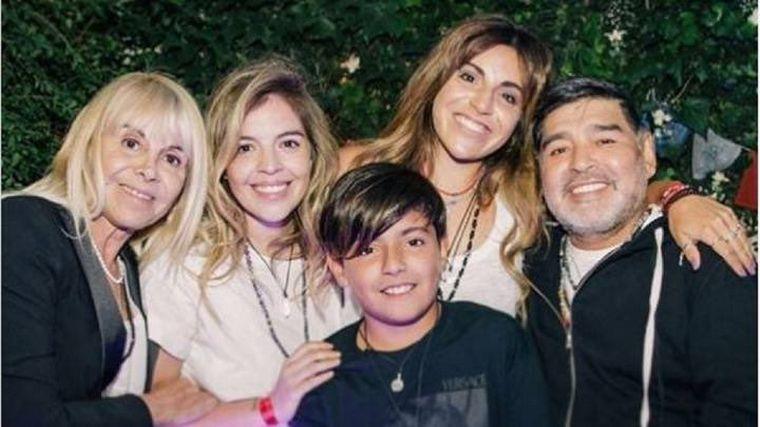 FOTO: Diego con Cristiana Sinagra, madre de su primer hijo.
