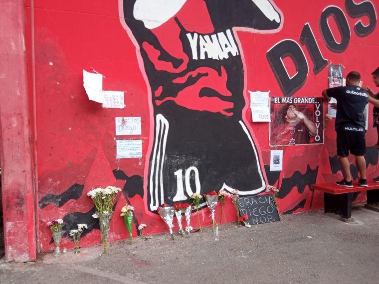 FOTO: Cientos de personas se convocaron en el Obelisto para homenajear a Diego