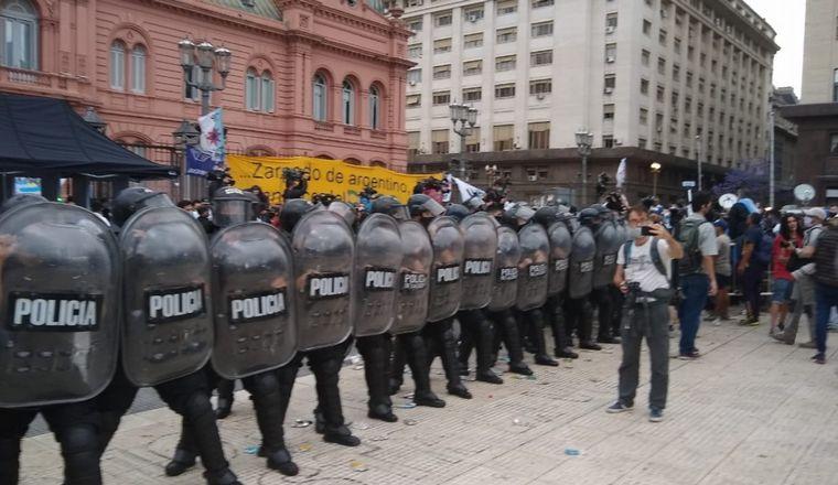 FOTO: Sentida despedida a Maradona en Casa Rosada.