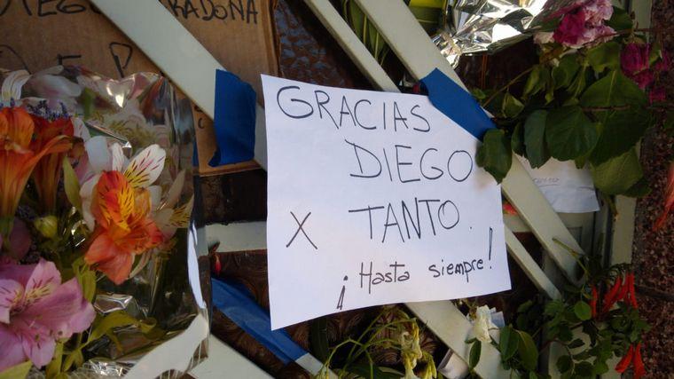 FOTO: Viaje al pasado de Diego: así despide Paternal a su ídolo