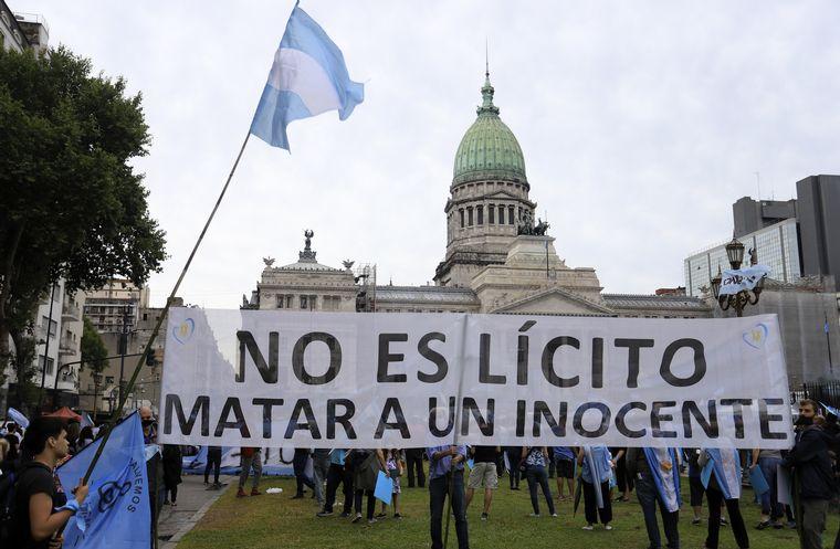 FOTO: Marcha contra la legalización del aborto en Buenos Aires.