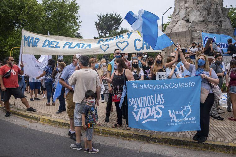 FOTO: Marcha contra el aborto en Mar del Plata.