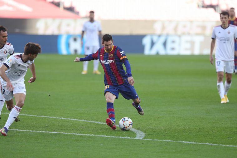 FOTO: Barcelona aplastó al Osasuna en el Camp Nou.