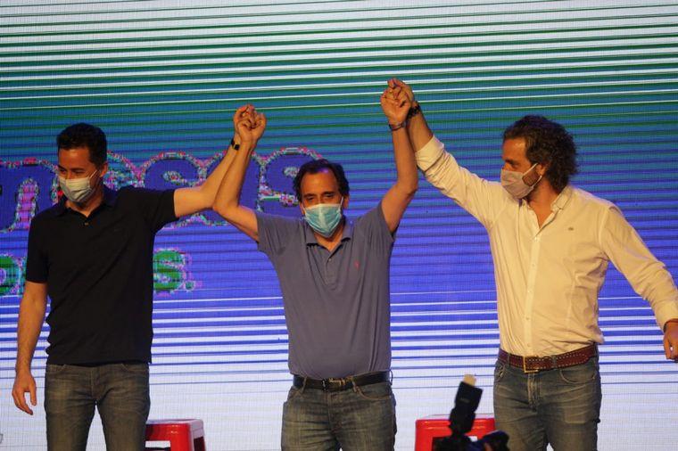 FOTO: El reelecto intendente Juan Manuel Llamosas celebró su victoria en Río Cuarto