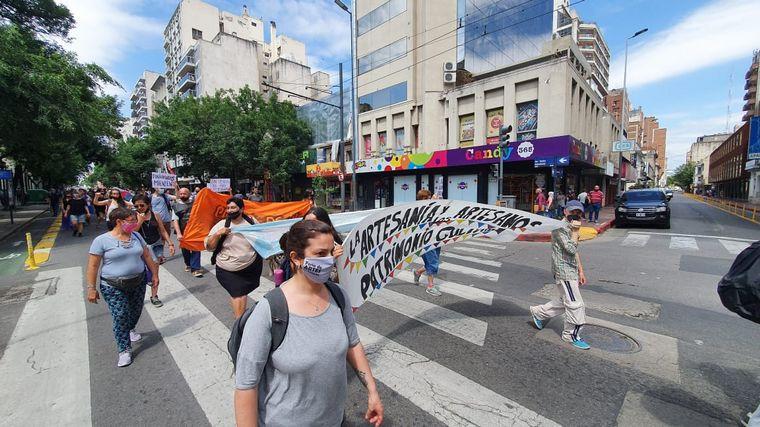 FOTO: Feriantes de Córdoba reclaman la habilitación de un depósito
