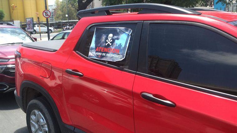 FOTO: Usuarios de Fiat Toro protestan a metros de Casa de Gobierno