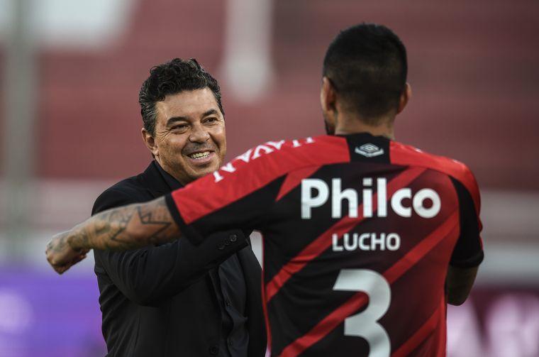 FOTO: River recibe a Athletico Paranaense en Avellaneda.