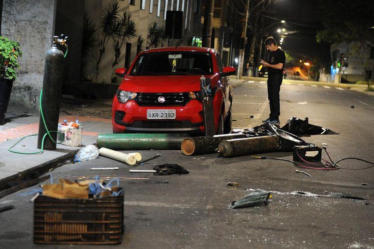 FOTO: Conmoción en Brasil por un cinematográfico asalto de un banco en Criciúma.