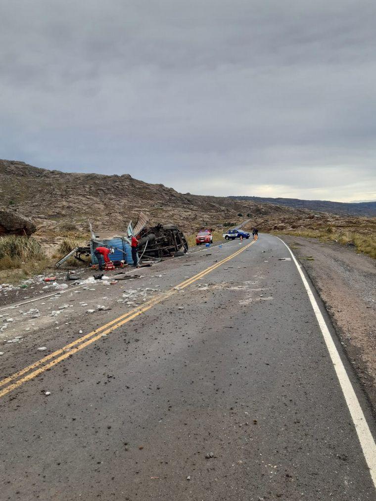 AUDIO: Habilitaron el Camino a las Altas Cumbres tras el vuelco de un camión
